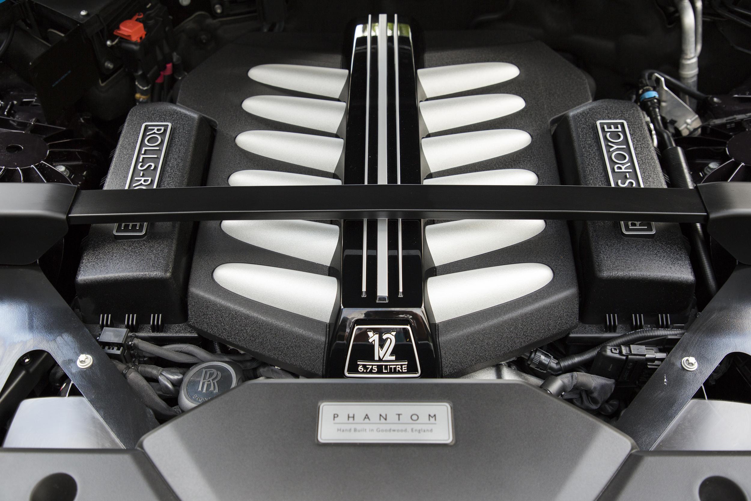 Rolls-Royce Phantom engine