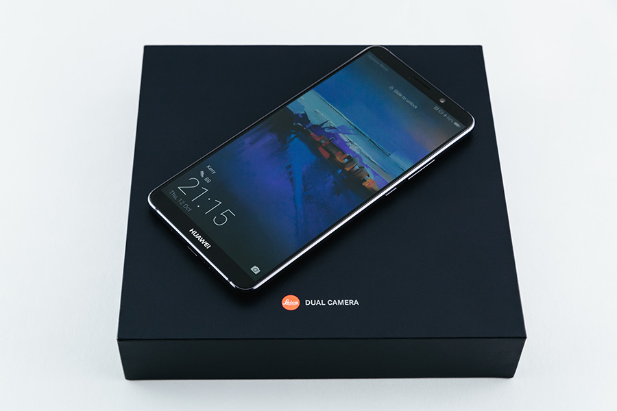 Huawei Mate 10 Pro with box