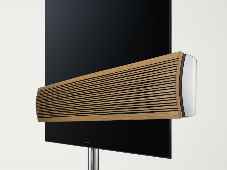 Close up on oak bar of BeoVision Eclipse Wood Edition