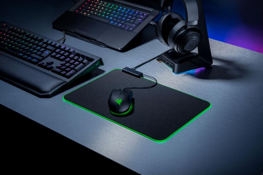 Razer Goliathus Chroma with keyboard and mouse