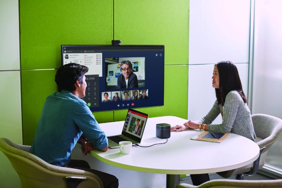 HP EliteBook 830 G5 in huddle room