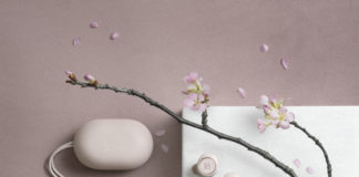 Beoplay E8 Powder Pink with sakura branch