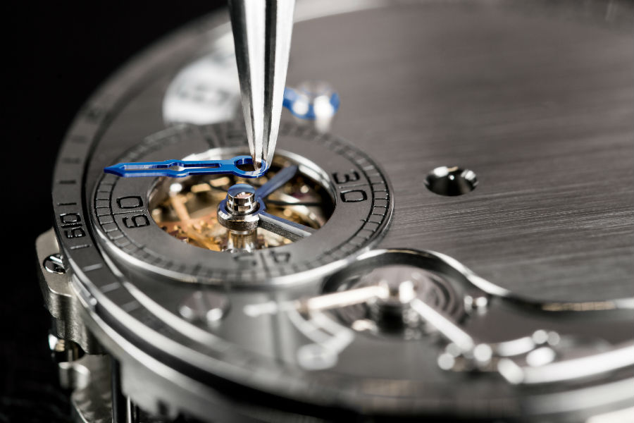 Closeup on placement of dial in Chronometre FB-1R.6-1