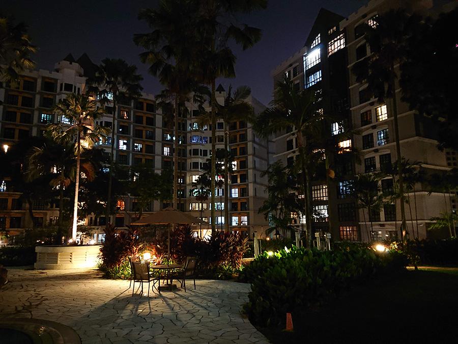 Night photo taken with the Sony Xperia XZ2