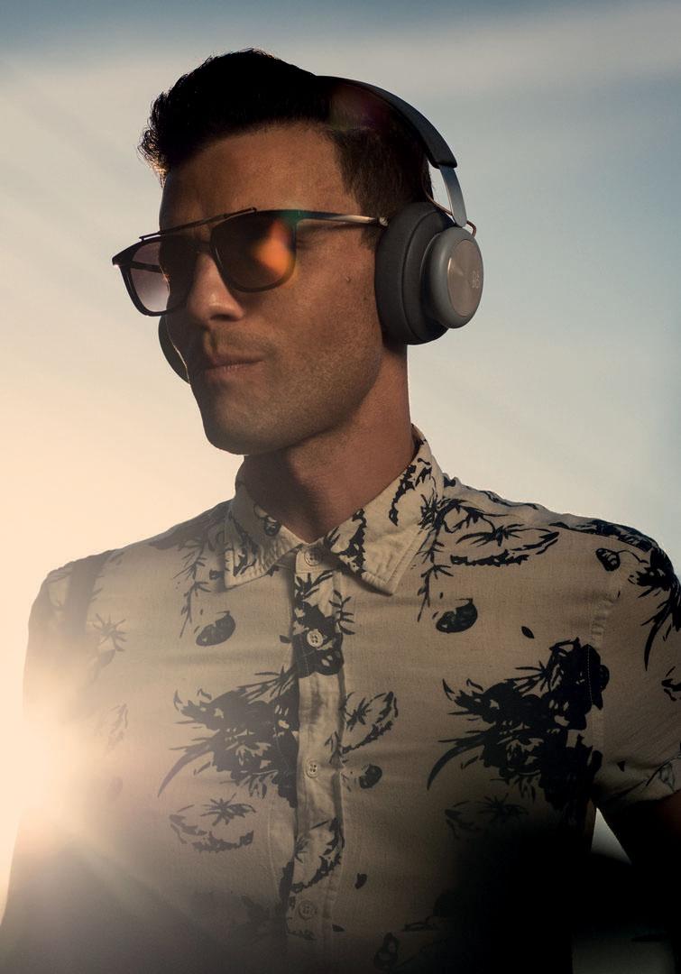 Man wearing Beoplay H4