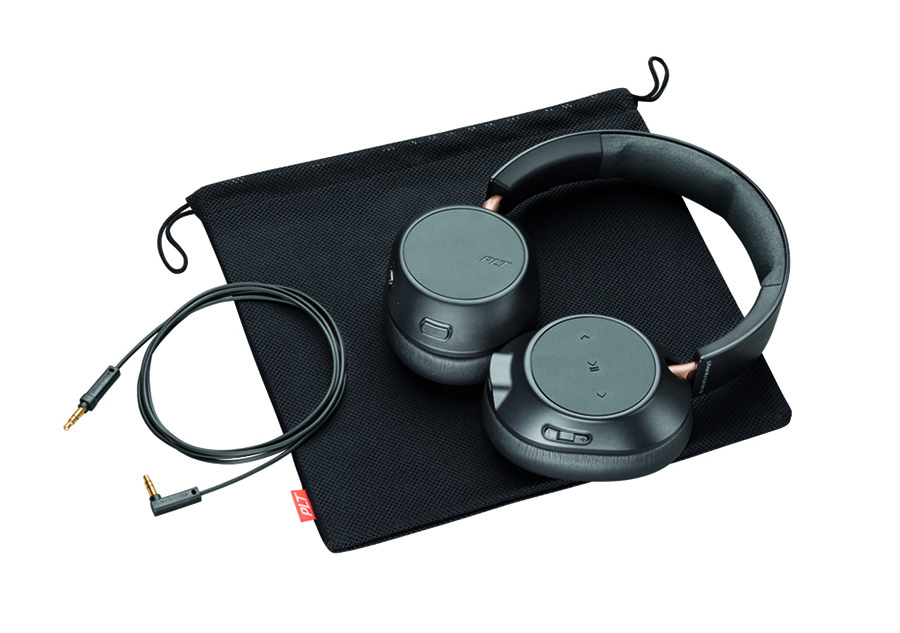 BackBeat GO 810 in black with bag