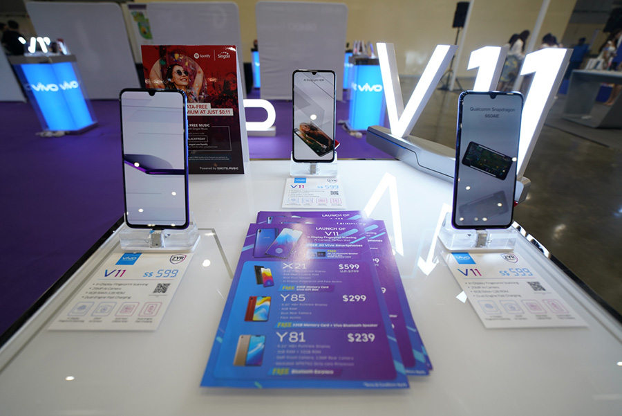 Pamphlets and Vivo V11 phones at Sitex 2018