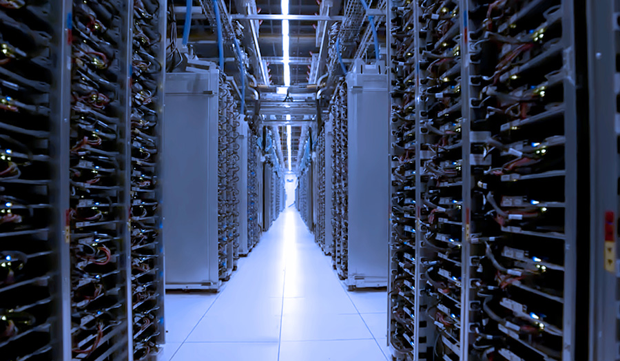Data centre for co-location data centre growth