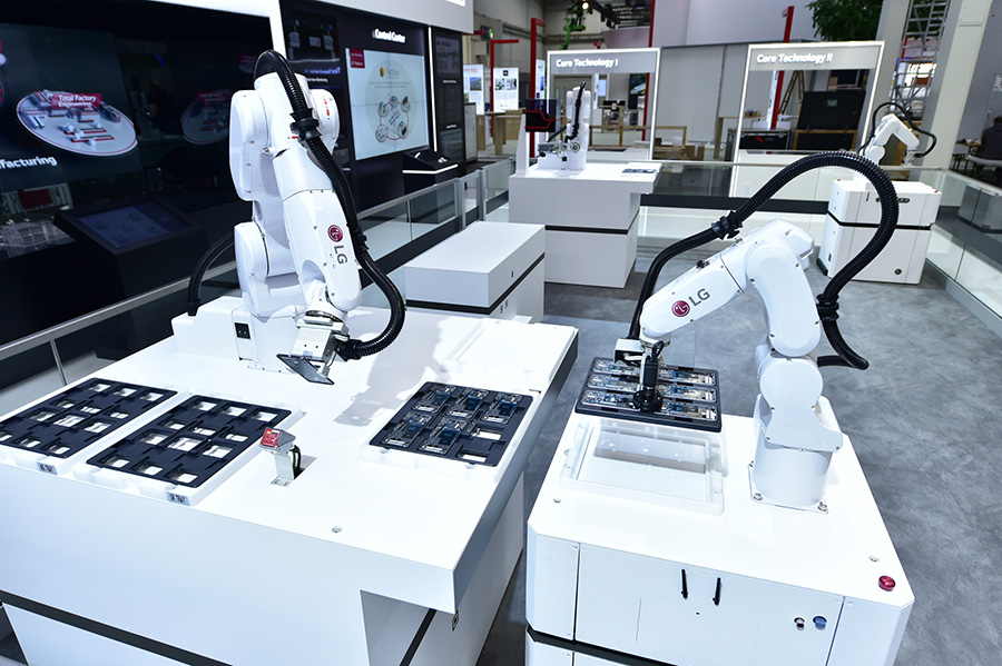 LG robots at Hannover Messe 2019