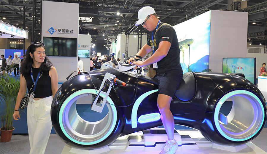 CE China 2019 VR bike demo