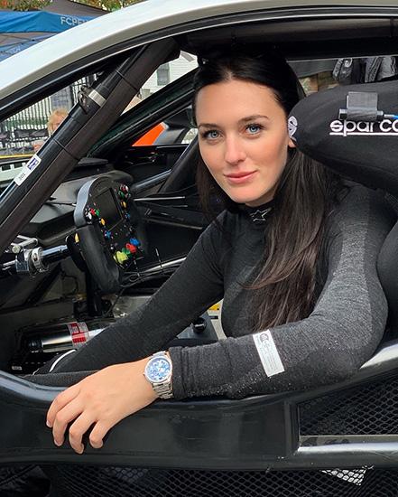 Hanna Zellers in her racecar