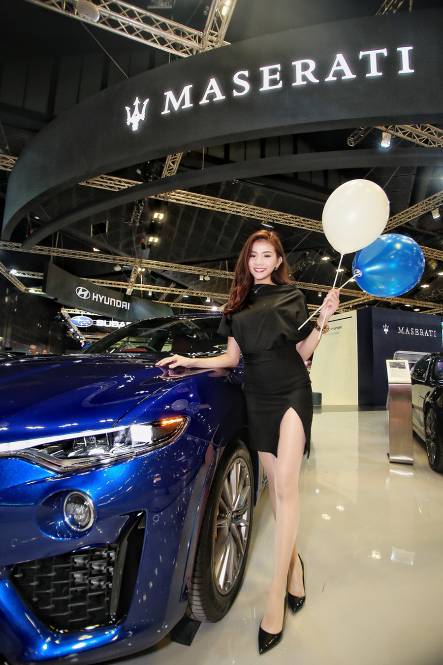 Model at Singapore Motorshow 2020