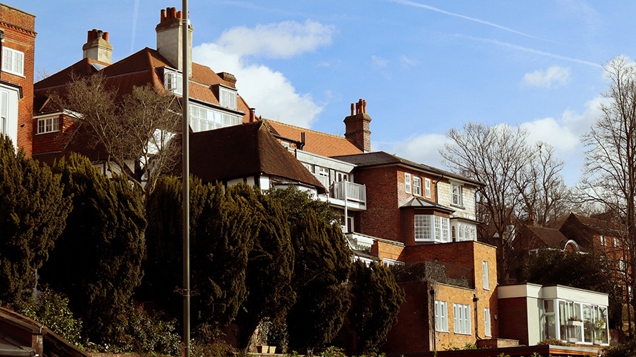 Photos of Guildford, taken by Han Yun with the Canon EOS M200