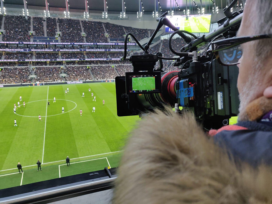 Filming 8K match of Tottenham Hotspur Premier League on LG OLED TV