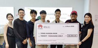 Thong Koon Mun winning the Huawei Film Award