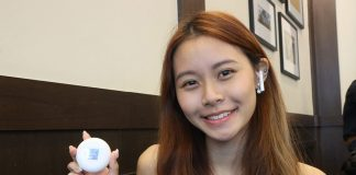 Clarissa with the Huawei FreeBuds 3